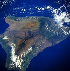 Best photo I've seen of the Big Island taken from space.