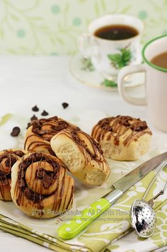 Chocolate chelsea buns