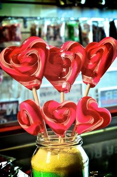 Collecting your jar of hearts... Beautiful heart shaped lollipops #valentines