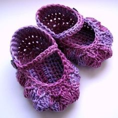 Baby Booties Crochet PATTERN (pdf file) - Lilac Baby Slippers, via Etsy.