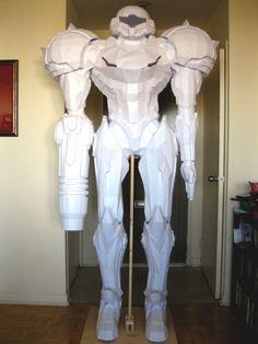 Metroid's Samus Aran Modeled In Paper Is Nearly Seven Feet Tall