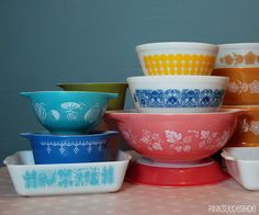 vintage pyrex - I have some of these from my grandma - love them