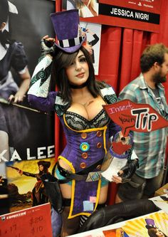 Jessica Nigri as Mad Moxxi - Montreal Comic Con 2013 - Picture by Geeks are Sexy