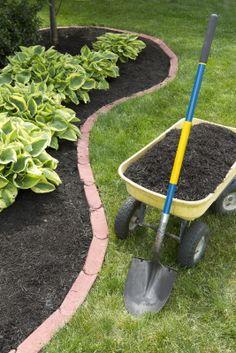 yard stuff, backyard solut, landscap idea, bed edg, mulch bed