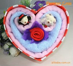 Image detail for -Heartshaped gift box Towel cake gift ideas Holiday Wedding Decoration