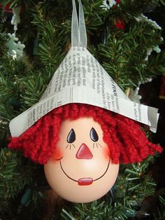 Raggedy Andy lightbulb ornament...<3