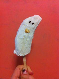 Homemade Banana Ghost #Homemade #Halloween #Bananas #Ghosts #Snacks #KidFoods