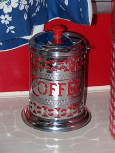 Love this vintage coffee tin! Perfect don't you think???  ;-)