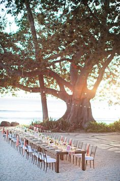 beautiful beach wedding table