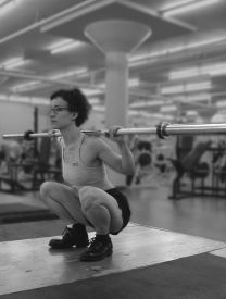 From Dork to Diva: Squat :: stumptuous.com  EXCELLENT site to teach women good form for lifting, and how to meet their goals - tone or build