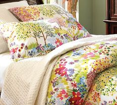 I like this for Ella's room and it's on sale at Pottery Barn. bedding, organic cotton, beds, bed sets, guest bedrooms, duvet covers, guest rooms, pottery barn, bright colors