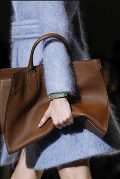 sfilata-gucci-donna-autunno-inverno-2014-2015-shopping-bag