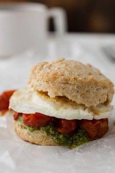 biscuit sandwich, roast tomato, egg