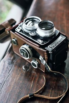 Old leather and chrome and old cameras. I love.
