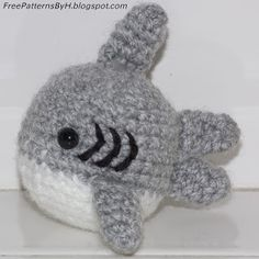 "Free Patterns : Shark Amigurumi by ""Hannah Daley"""