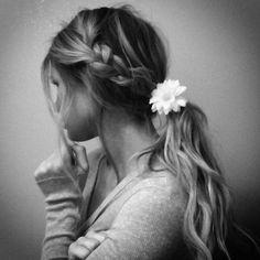 messy braid/ponytail
