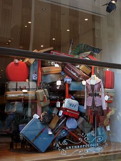 Window Visual Merchandising | VM | Window Display | Vintage luggage display