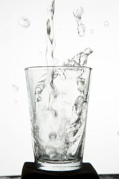 3 Reasons Why You Should Drink a Glass of Water Before Each Meal