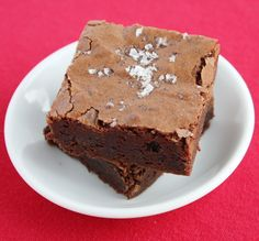 salted fudge brownies Salty + sweet is a match made in heaven. If you ...