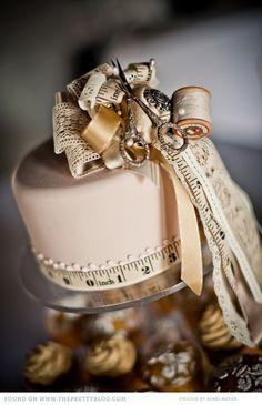 red-cream-vintage-wedding-tulbag_026
