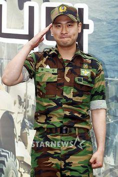 Epik High's Mithra Jin officially discharged from the Korean military #allkpop #kpop #EpikHigh