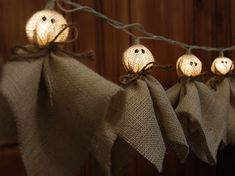 DIY Burlap Ghost Lights {PB Knock-Off} #diy