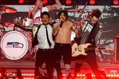 Bruno Mars Brings Drum Solos, Chili Peppers, Nostalgia to Super Bowl | Music News | Rolling Stone