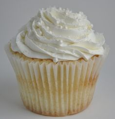 pretty close to what the wedding cupcakes will probably look like. would be nice to have a variety of white, very slightly yellow and very slightly pink/orange!