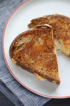 This One Small Extra Step Makes the Cheesiest Grilled Cheese Sandwich Ever grilled cheese sandwiches, chees sandwich