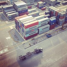 """Great picture of Maersk Line containers """"from above"""" @are_nep-#statigram"""