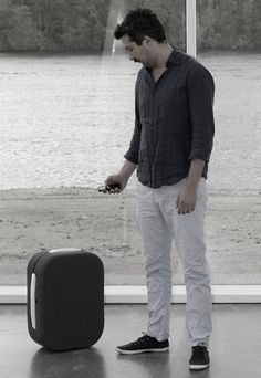 Hop, The Suitcase That Automatically Follows You.    This is Hop, a suitcase that communicates with your smartphone and follows you through the airport.