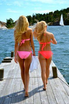 Neon bikini's