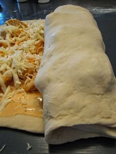 Buffalo Chicken Garbage Bread ~ I'm thinking of trying this with canned chicken :)