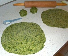 Homemade spinach tortillas. This would be a delicious lunch w/ veggies and homemade ranch dressing!