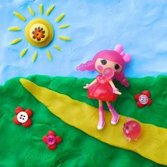 Lalalove the clay and button background she created for Bubbles Smack 'n' Pop!, lbeltje via Flickr. #Lalaloopsy