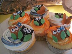 Owl Themed Baby Shower Cupcakes - How cute would these be with Dulce De Leche Owls on top? Much easier!!