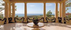 Holiday decor at The Resort at Pelican Hill®, Newport Beach, CA | www.pelicanhill.com