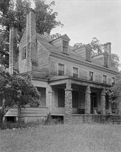 Another wonderful old house!