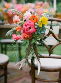flowers and feathers  via bashplease.com