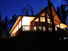 The Coolest Cabins To Rent In Alberta (PHOTOS)