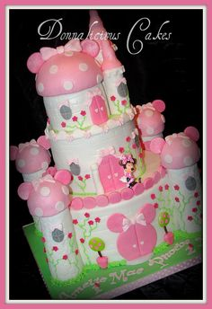 minnie mouse castle cake ~ too cute!