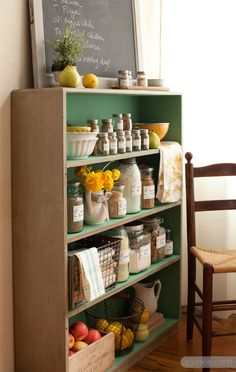 Print your own farmhouse pantry labels...