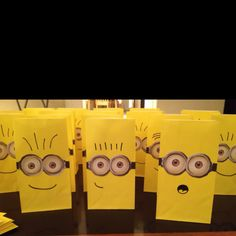 favor bags, candy bags, birthday parti, minion birthday, party bags, goody bags, loot bags, minion parti, parti idea