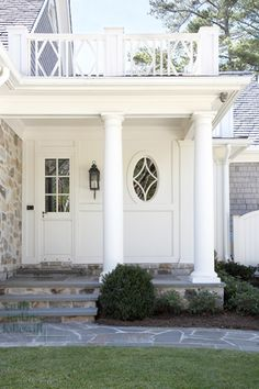 love this side porch