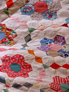 Canton Village Quilt Works: hexagons