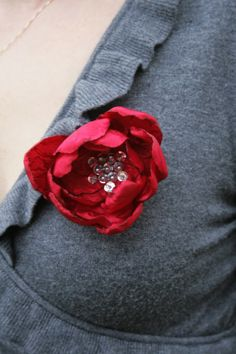DIY // VALENTINE'S FLOWER BROOCH