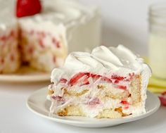 I don't even like twinkies.....but twinkie strawberry cheesecake shortcake is something I think I could get in to.