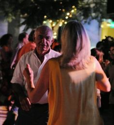 President/CEO Uri D. Herscher and his wife, Myna, dancing to the irresistible rhythms of De Temps Antan at the 2012 Sunset Concerts. Photo by Bonnie Perkinson.