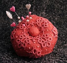 #tat #tatting #tatted #Pincushion {jrs: white on red or another colour would be prettier!}