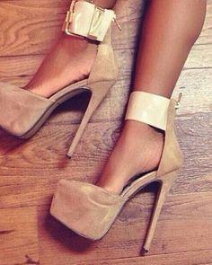 Sexy feet. #sexy #feet #legs #dearsweetness #heels